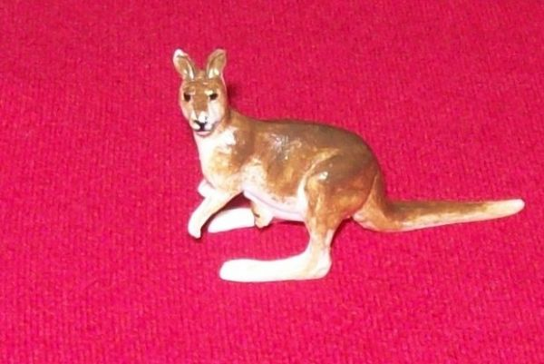 CORGI TOYS 302 - Reproduction - Hillman Hunter plastic kangaroo [ Each ]